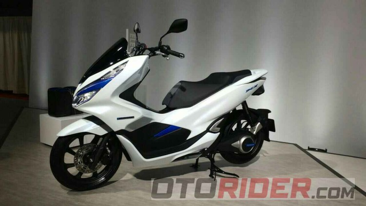 honda pcx 2018 with Xkztotzvdlvvedrdbgs9 An3vymx Hi2xzqexzpqthc on Yamaha Nmax 43 in addition Honda Cb 300 R as well Honda Forza 125 Rupture Sur La Ligne further Honda Pcx 2018 Segue Sem Grandes Mudancas E Mantem Preco together with respond.