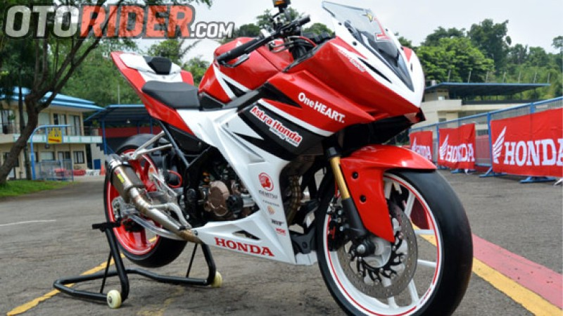 Modifikasi Honda All New CBR150R Gaya Racing Look