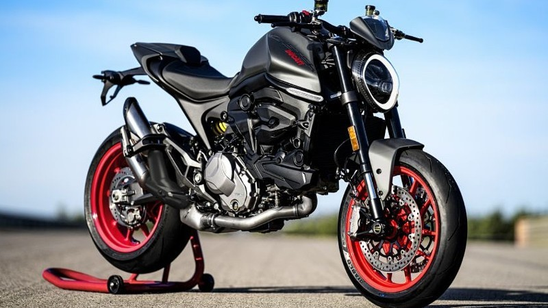 Ducati Monster dan Monster+ 2021