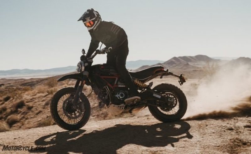 Ducati Scrambler Desert Sled Fasthouse Limited Edition