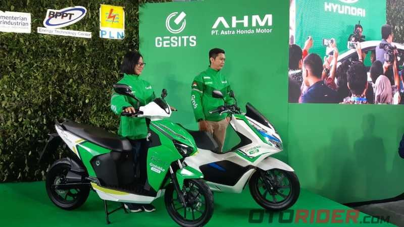 Grab Indonesia Gesits dan PCX Electric