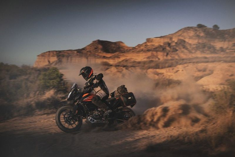 KTM 390 Adventure 2019 panning off road