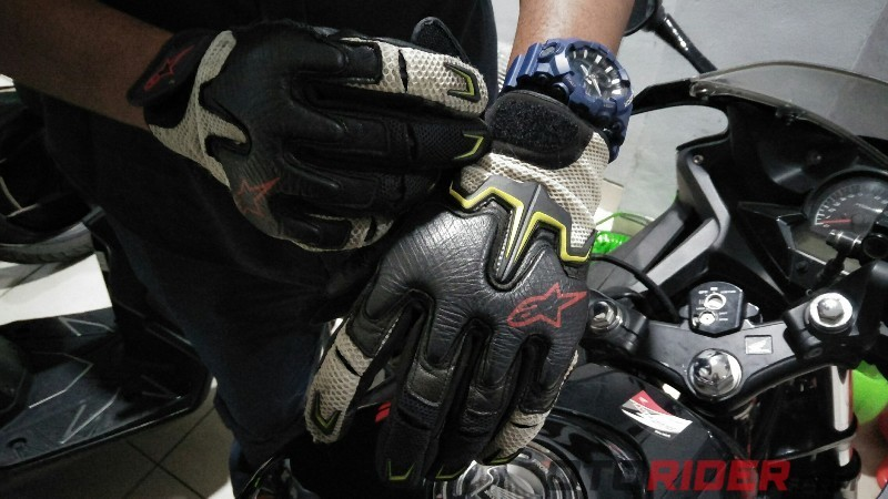 Safety riding saat virus corona dan psbb/ sarung tangan