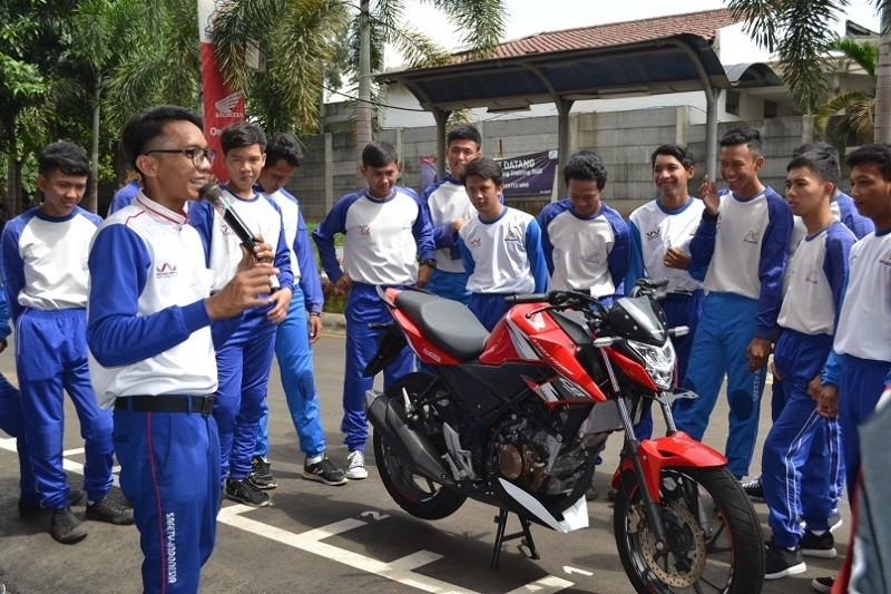 Safety Riding Wahana Awal Tahun
