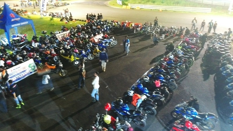 Suzuki Night Ride Surabaya