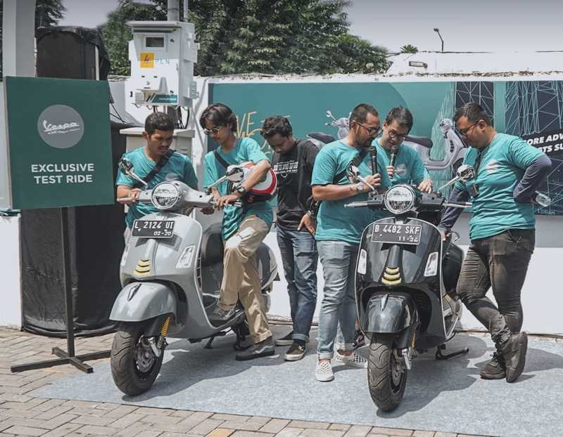Vespa GTS Super Tech Dealer Open Day Surabaya
